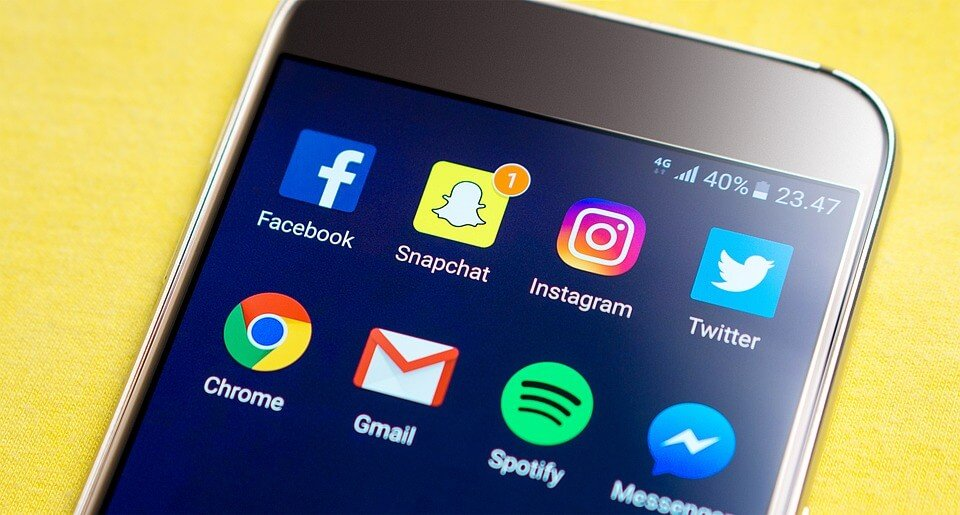 smartphone social media channels - Your Staff Can Help Promote the Company Website Using Social Media